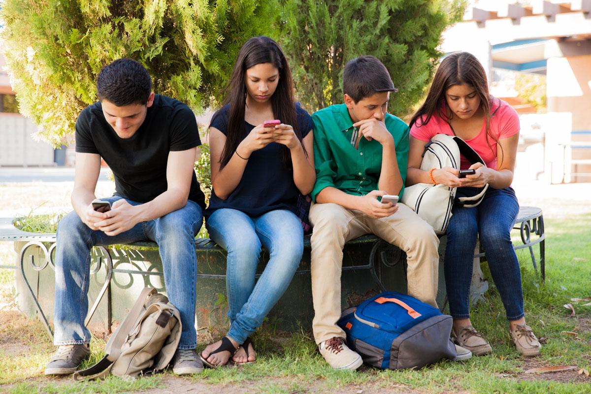 ბავშვებსა და თინეიჯერებში სოციალური უნარების განვითარების 10 საუკეთესო გზა