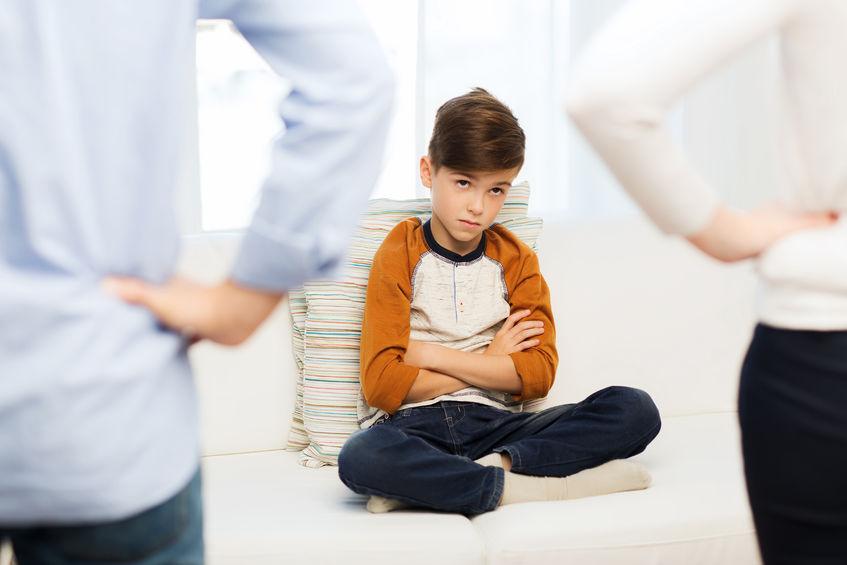 უფროსების დიდი ნაწილი, ბავშვის ნეგატიური ქცევის მიზეზების გარკვევის ნაცვლად, შვილს მორალს უკითხავს