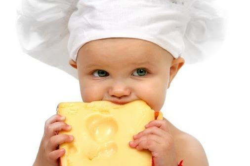 ყველი პატარას შეგიძლიათ, 7-8 თვის ასაკიდან გაასინჯოთ, თავიდან სულ ცოტა შესთავაზეთ, შემდეგ კი დაახლოებით 20-30 გრამი - პედიატრის რჩევები